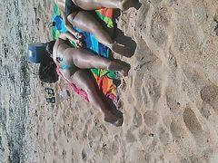 Candid Nice Ass Teens Ass up at the beach