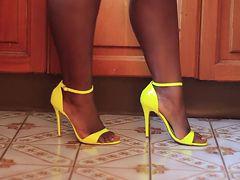 Sexy ebony feet... 1