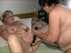Fat girls share double dildo in sexy porn